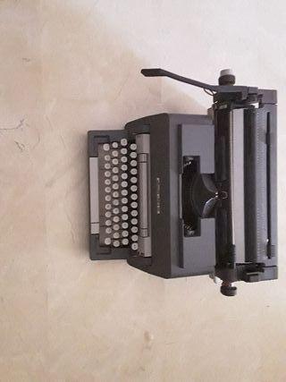 maquina de escribir . OLIVETII Línea 98