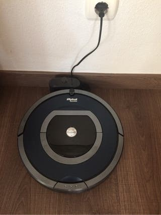 Robot roomba 786