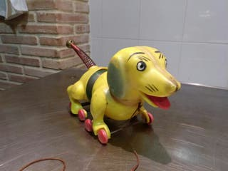 Perrito de juguete antiguo