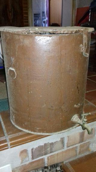 bidon de aceite con grifo antiguo
