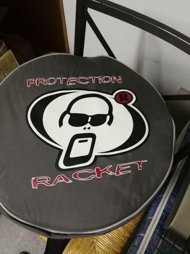 funda tom protection racket