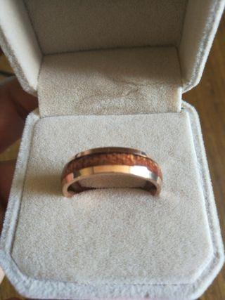 anillo de madera
