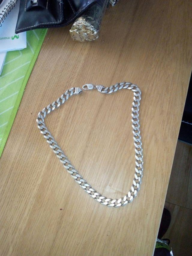 cadena de plata