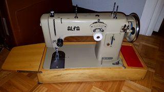 Maquina de coser Alfa 102-500