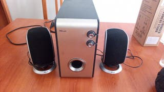 altavoves pc 2.1