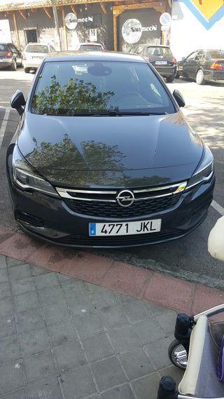 Opel Astra diciembre 2015