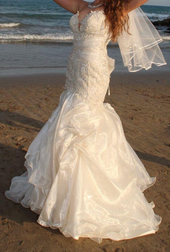 vestido de novia con pedreria swarovski. de segunda mano por 525
