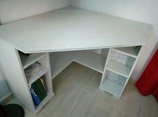 Mesa para ordenador de esquina