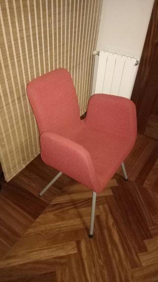 Se venden 3 butacas tapizas de color rojo