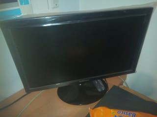monitor pc con vga seminuevo perfecto estado 19""