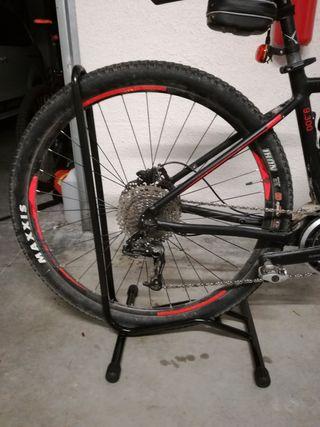 soporte suelo bicicleta
