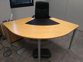 Mesa para oficina de segunda mano en Madrid en WALLAPOP