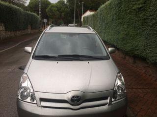 Toyota Corolla verso con 7 plazas de ano 2006