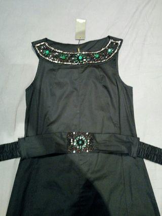 vestido negro sin estrenar marca Niza talla M