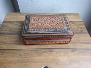 Caja antigua