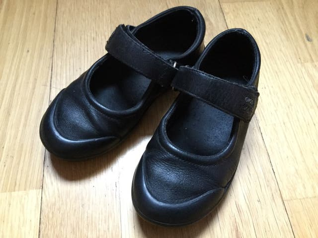 005fa724db5 Zapatos colegial niña 28 de segunda mano por 5 € en Madrid en WALLAPOP