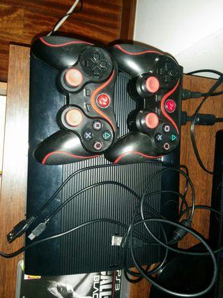 play3 con dos mandos y 5 jugos y una gratis