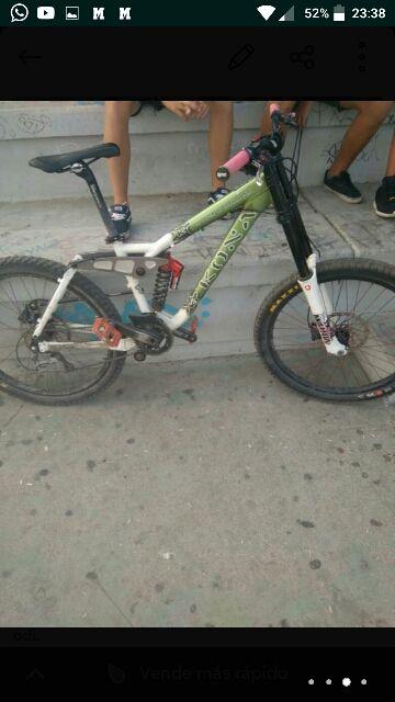 bici kona descenso