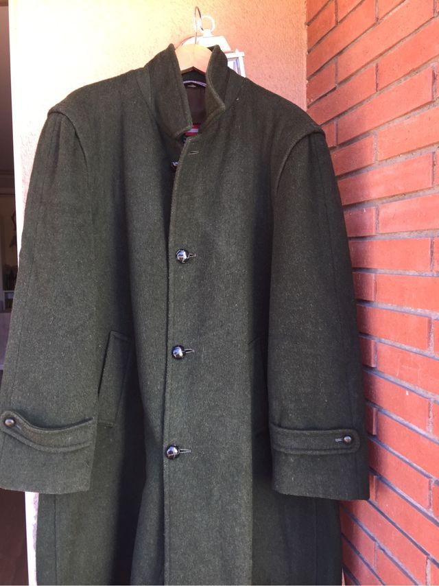 53360b6a0b5 Abrigo verde oscuro