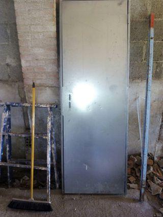 puerta metalica galvanizada