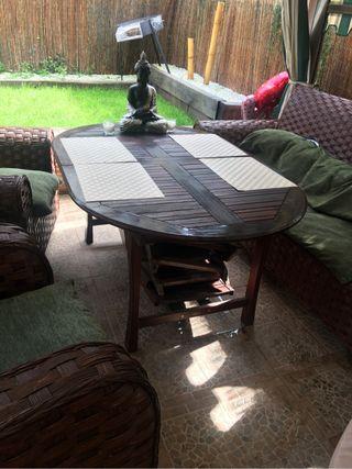 mesa jardin y 4 sillas de segunda mano por 150 en samano