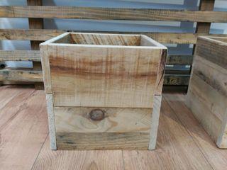 Cajas madera pino reciclado de segunda mano por 15 en barcelona en wallapop - Cajas de madera barcelona ...