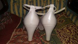 Zapatos blancos sin estrenar LODI