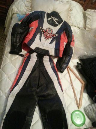 Mono moto racing pro sport usado por chica