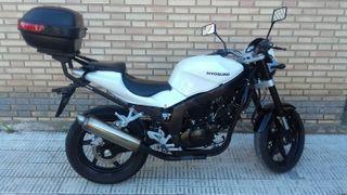 Motocicleta Hyosung GT 250i Comet