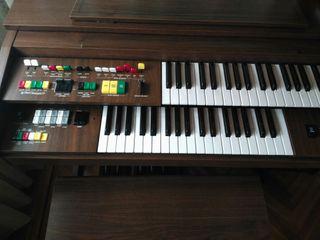 órgano piano Yamaha
