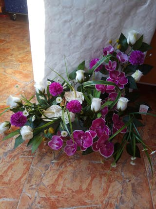 flores artificiales, jardinera, centro, bucaros