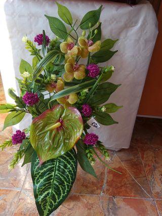 flores artificiales, jardineras, centros, bucaros