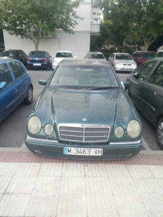Mercedes-Benz Clase E 2.4 1997