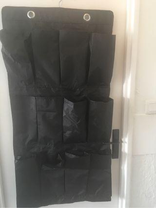 Porte chaussure suspendu
