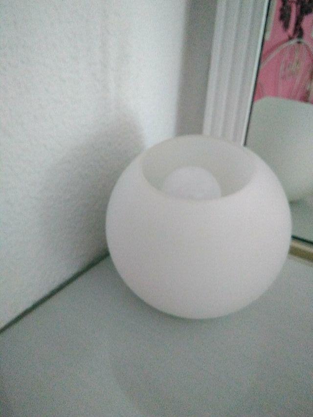 vendo lampara que se pone de colores con mando