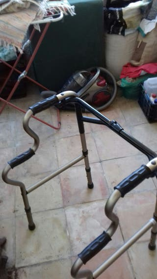 andador para ancianos sin ruedas