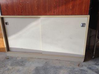 Mueble de oficina metalizado puertas correderas
