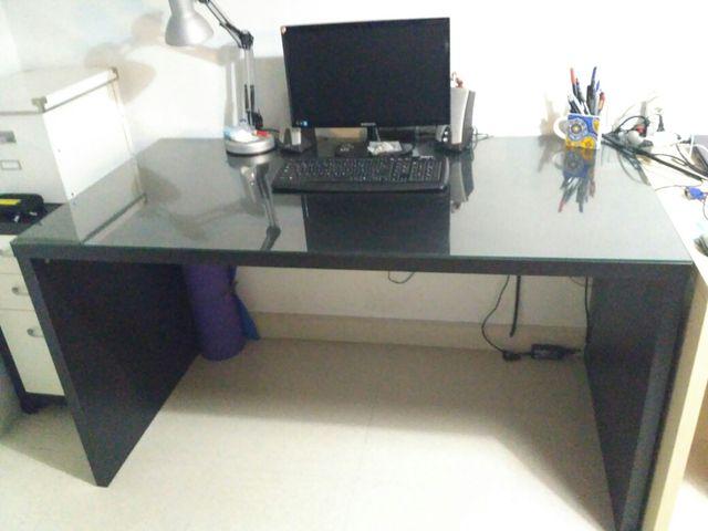 Mesa + cristal escrito oficina Ikea 140*75*76 cm de segunda ...