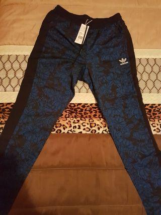 pantalon de chandal adidas nuevo
