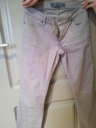 Pantalones largos beige de Zara