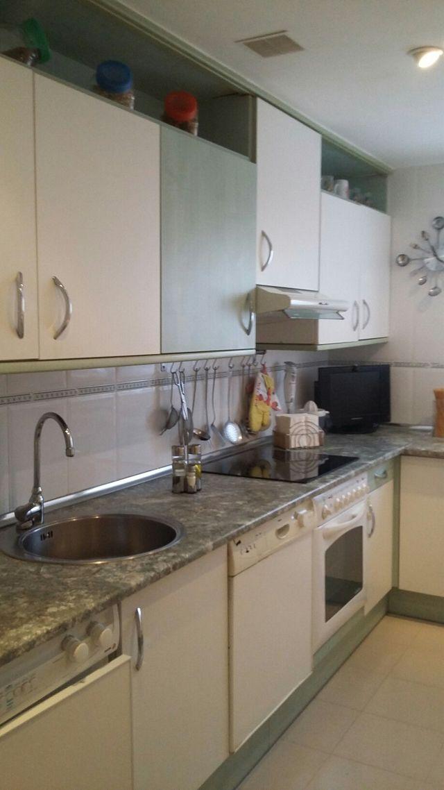 Muebles altos de cocina de segunda mano por 60 € en Leganés en WALLAPOP