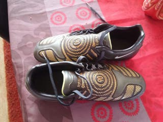 Botas de futbol con tacos Nike