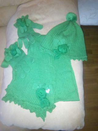 Conjunto bufanda,gorro y guantes niña