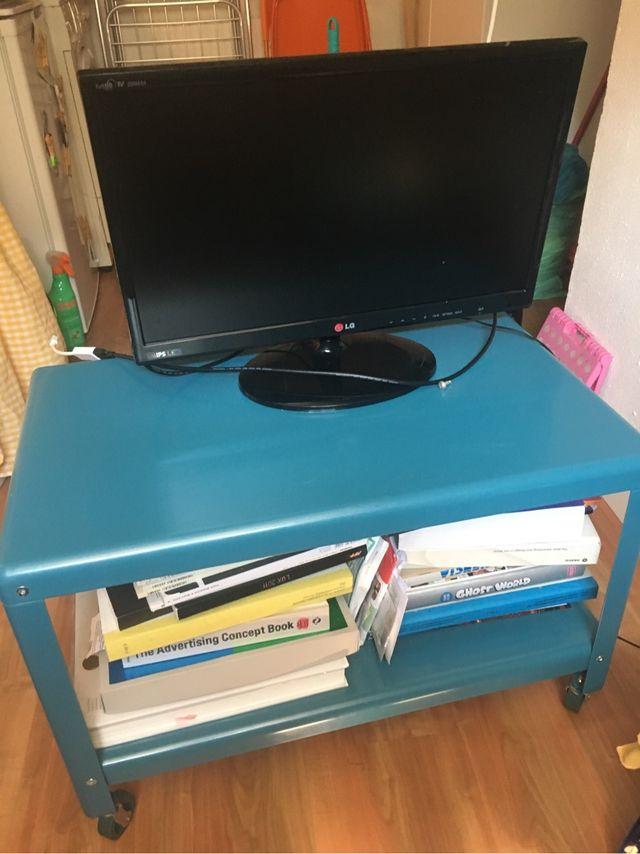 Mesa azul ruedas IKEA PS 2012
