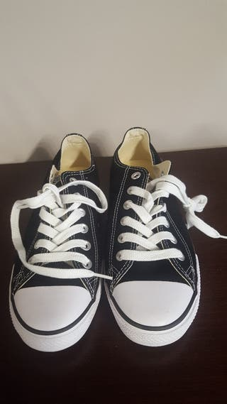 zapatillas converse color negro talla 37.5