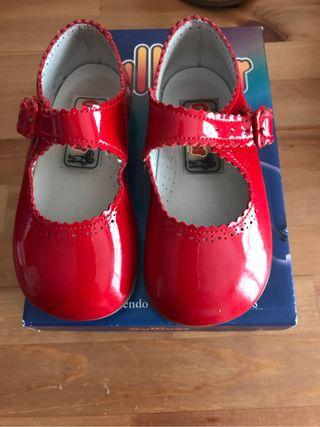 Zapato charol rojo num.22