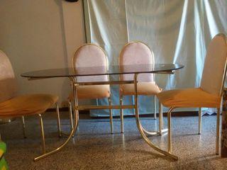 mesa salon de cristal y 4 sillas