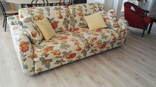 Sofá con cama muy grande y comodo