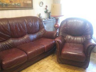 Usado, sofa tres plazas con sillon individual en piel segunda mano  España