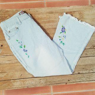 jeans bordados flecos